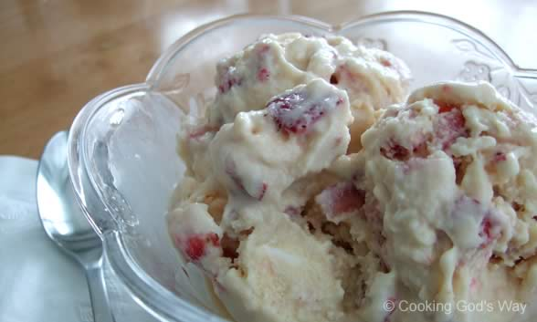 Strawberry-Cheesecake Ice Cream — Cooking God's Way